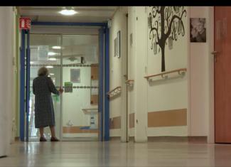 Portes closes, ou l'enfermement d'Alzheimer – reporté